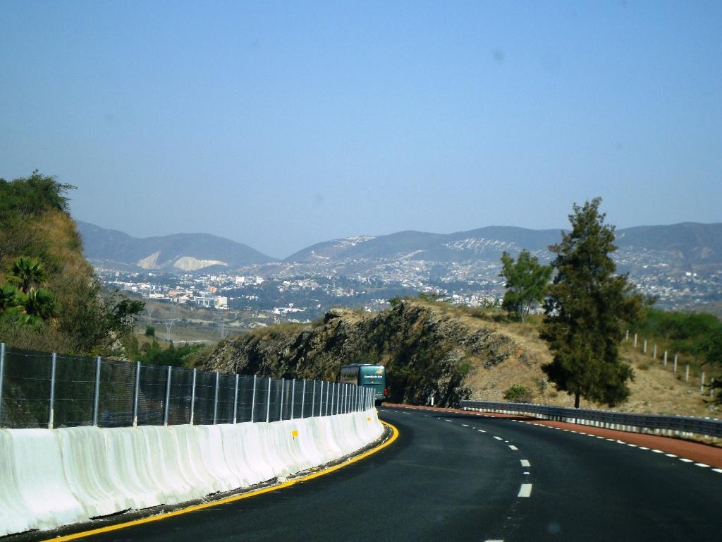 Proyecto carretero. A favor de OHL.
