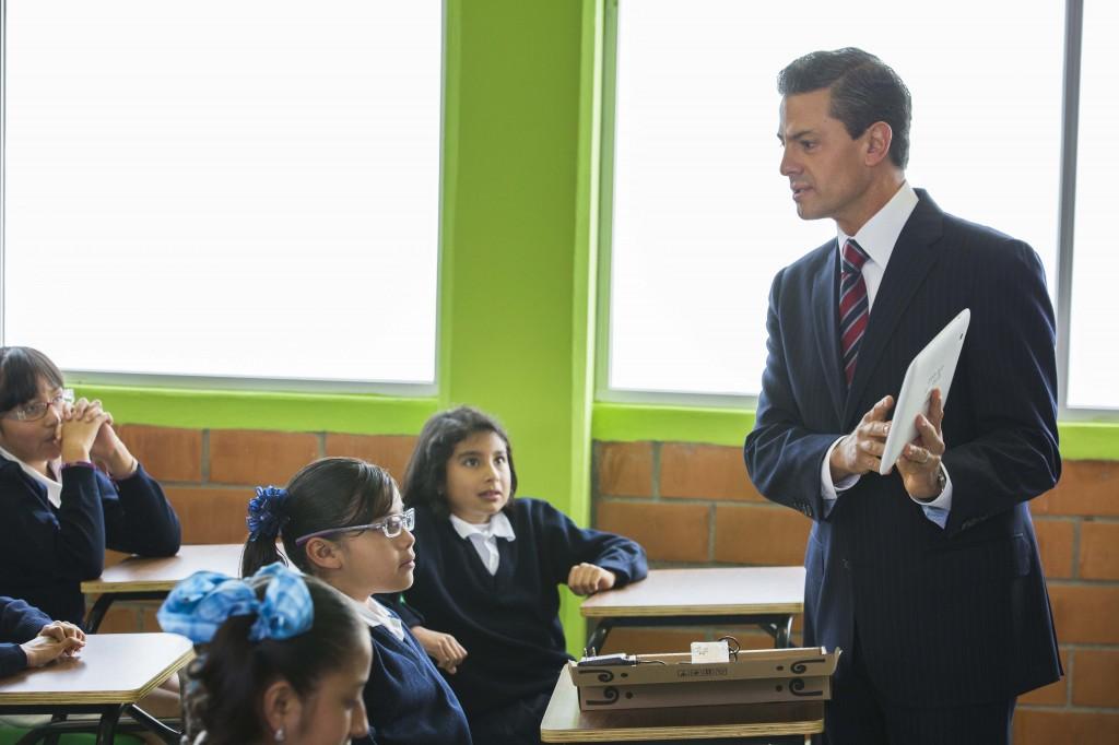 Peña Nieto. Las tabletas electrónicas.