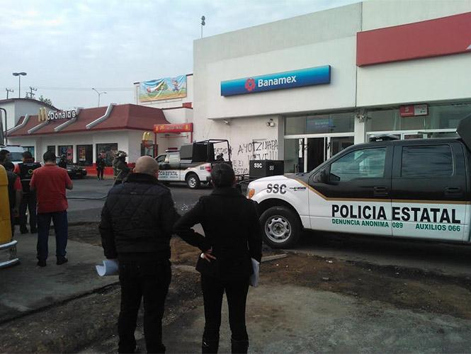 Explosivos en Naucalpan. Protestas por Ayotzinapa.
