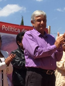 López Obrador. Fustiga al Grupo Atlacomulco. Foto Plana Mayor.