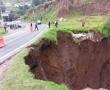 Permanece cerrada a la circulación la Toluca-Naucalpan por socavón